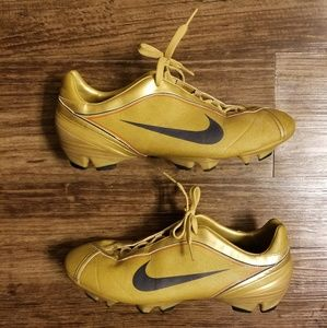 Deadstock Nike First2 Pro FG Gold/Obsidian/Red